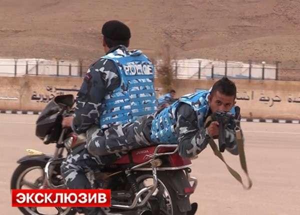 Учения с трюками: спецназ в Сирии отрабатывает уничтожение боевиков