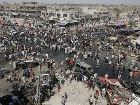 Смертники ИГИЛ взорвали себя на рынке под Багдадом: более 30 погибших