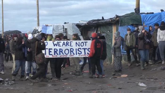 Европа трещит по швам: беженцы взяли штурмом греко-македонскую границу