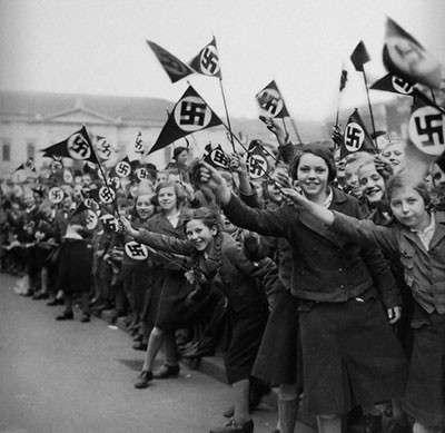 Фашисты считают себя на Украине героями