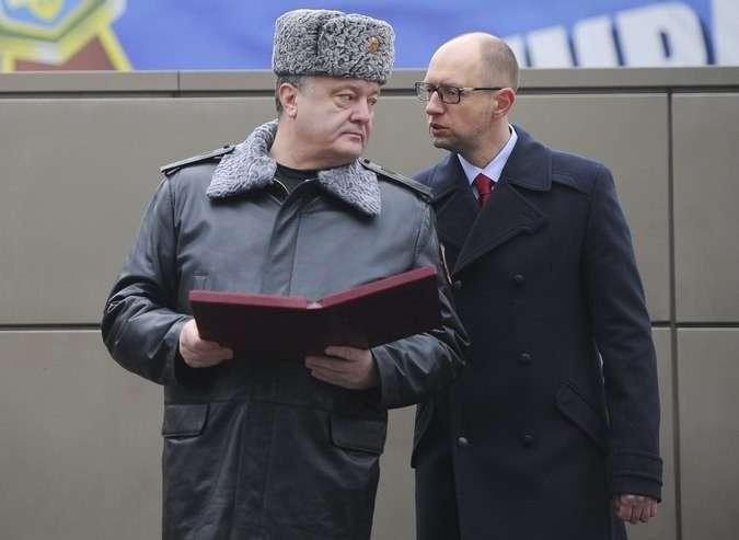 Николай Азаров просит не отождествлять нахлебников Порошенко и Яценюка с украинцами