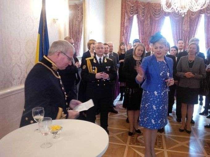 Посол Украины шокировала английскую королеву Елизавету II