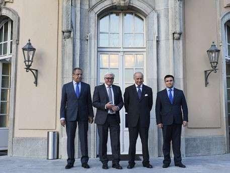 Главы МИД России, ФРГ, Франции и Украины начали переговоры в Париже
