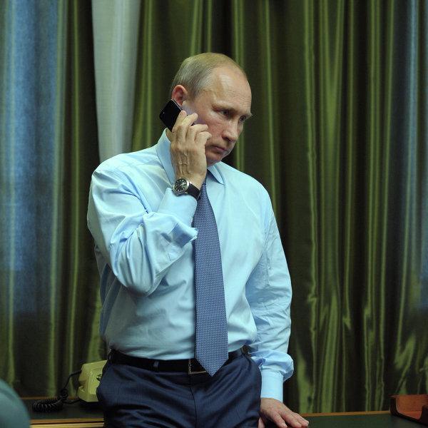 Таинственный незнакомец может присоединиться к беседе Путина, Меркель, Кэмерона и Олланда