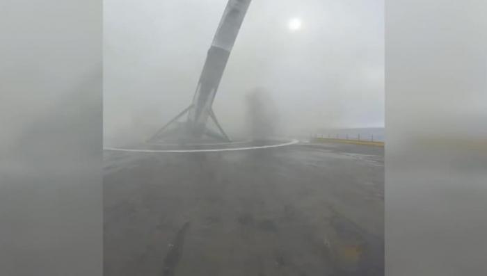 Попытка посадки первой ступени носителя Falcon 9 закончилась неудачей