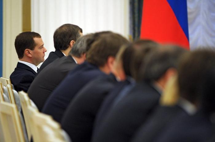 Либеральный клан тормозит развитие России