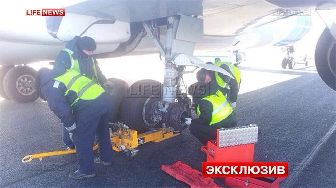 Пассажиры Boeing 737 рассказали о посадке без одного колеса