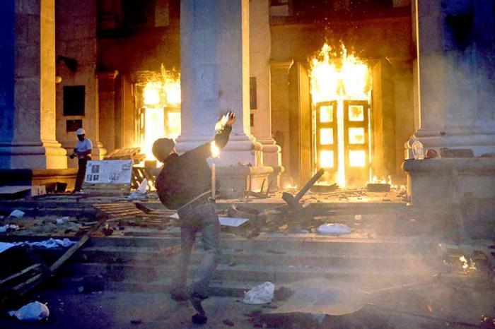 Жидобандеровцы бахвалятся массовым убийством в Одессе, за которое судят и избивают антимайдановцев