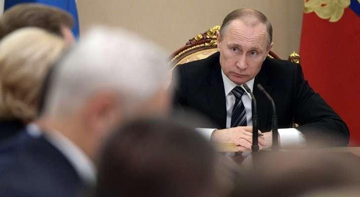 Ночное совещание в Кремле по экономике