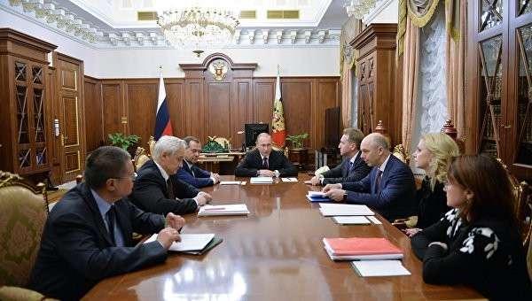 Владимир Путин провел совещание по экономическим вопросам в Кремле