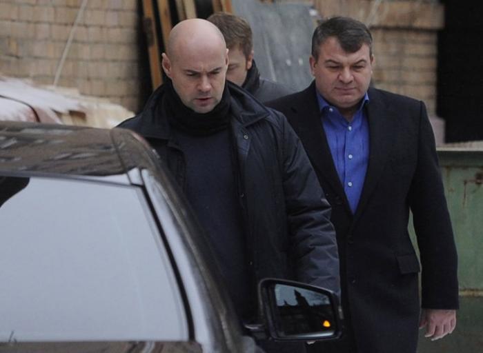 Анатолий Сердюков займётся авиационными двигателями