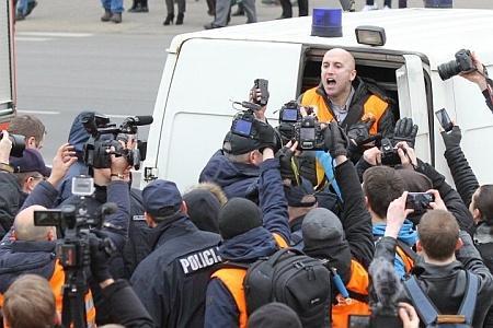 В Латвии арестован Грэмм Филипс, снимавший шествие нацистов по улицам Риги