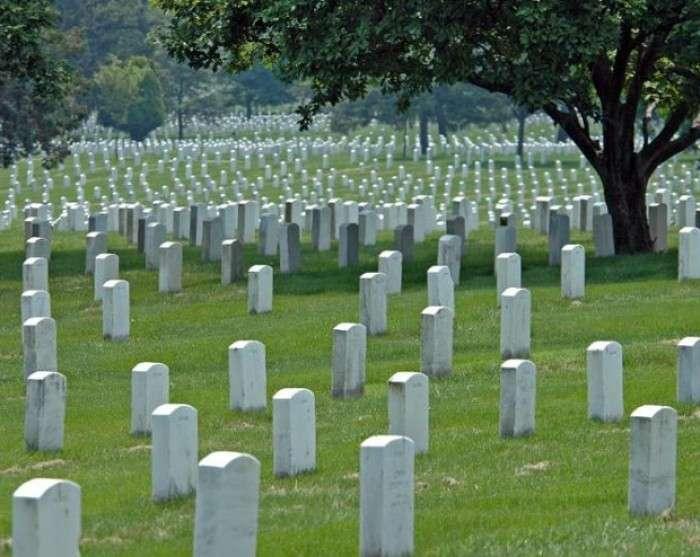 Тела людей, похороненные в последние три десятилетия - не разлагаются