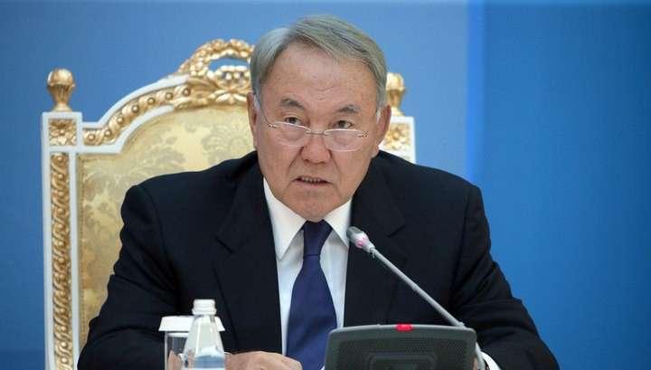 Назарбаев допустил изменение Конституции и системы правления