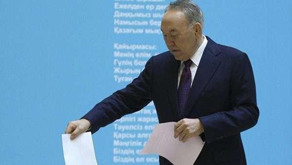 Президент Казахстана Нурсултан Назарбаев проголосовал на парламентских выборах