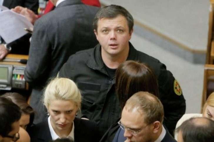 Бандита Семенченко выгонят из Рады за подделку паспорта