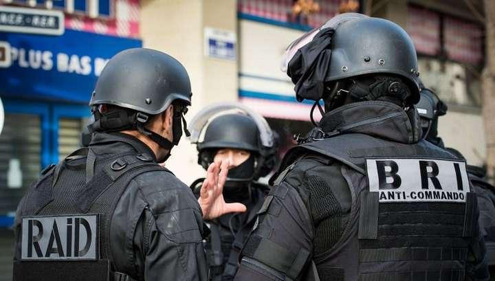 Полиция предотвратила теракт в пригороде Парижа