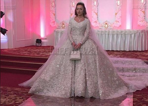 Бейонсе, Иглесиас, Лопес прибыли на свадьбу сына миллиардера Гуцериева