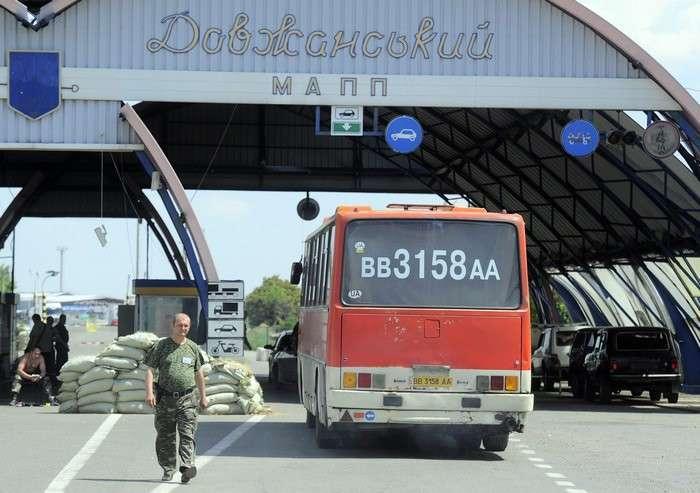 Донбасс: война день за днем. Как живут республики Новороссии в условиях боевых действий