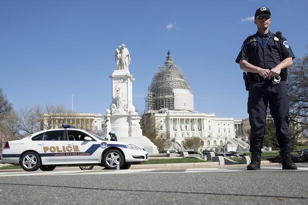 Из-за стрельбы доступ на выступление Порошенко в Вашингтоне ограничен