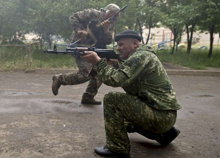 2 июня госпогранслужба Украины заявила, что в результате столкновений у управления Луганского погранотряда ранены семь украинских пограничников