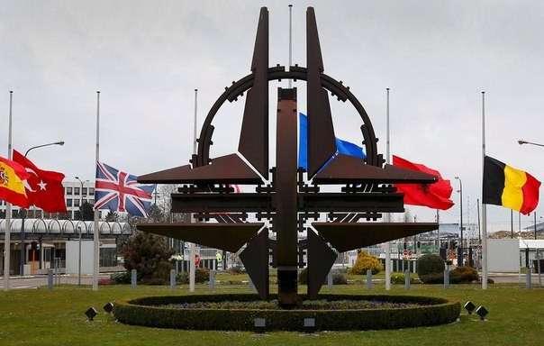 НАТО: бесполезный, бессмысленный и беспощадный альянс