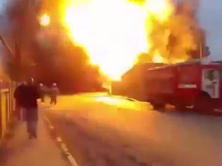 Взрыв на заправочной станции в Кизляре: кадры из эпицентра