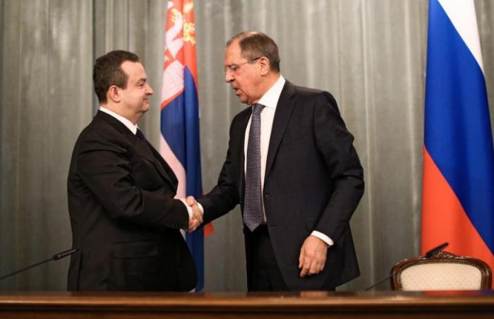 Сербия не станет вступать в ЕС в ущерб отношениям с Россией