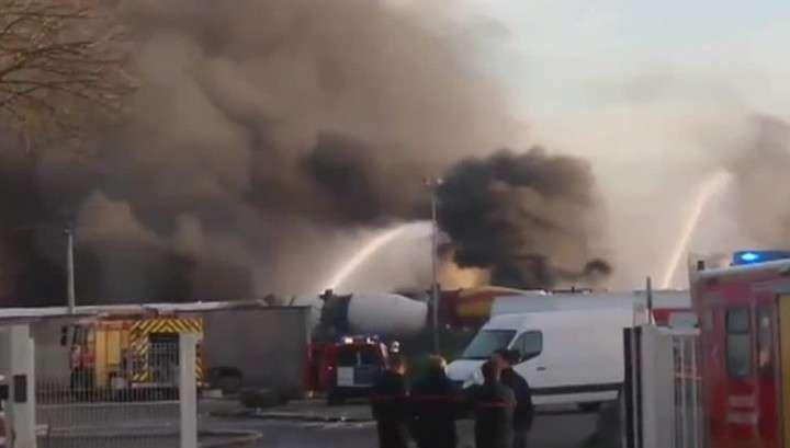 Во Франции на складе опасных грузов прогремели два взрыва
