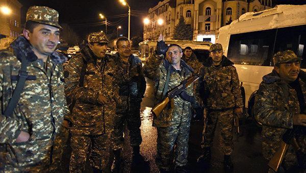 Перемирие между Карабахом и Баку: объявлено, но не установлено