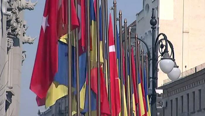 «Киберберкут»: Херсон отдадут под автономию турок-месхетинцев