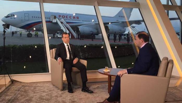 Дмитрий Медведев: Турция подливает масло в огонь карабахского конфликта