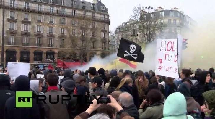 Протесты в Париже против реформы трудового законодательства – прямая трансляция