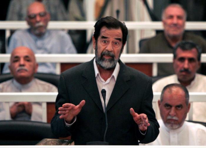 «Это был неправедный суд победителя над побеждённым»: судья и врач о процессе над Саддамом Хусейном