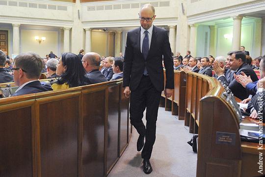 Яценюк освободил место Гройсману
