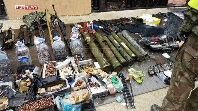 Крупный арсенал оружия обнаружен на месте проведения КТО под Махачкалой