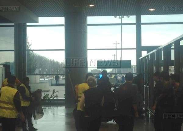 Пассажиры Домодедово сообщили о потопе в аэропорту