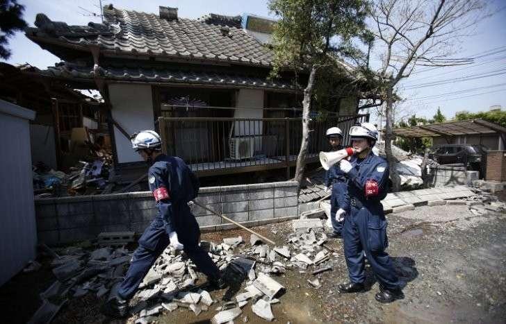 Десятки человек погибли, тысячи ранены в результате серии землетрясений в Японии
