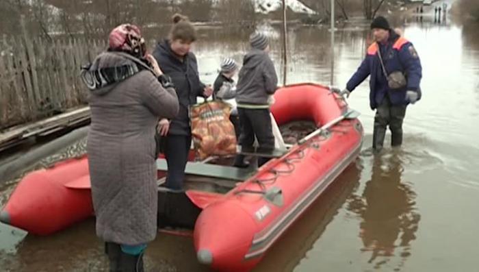 Наводнение в Вологодской области: в Великом Устюге подтоплены сотни домов