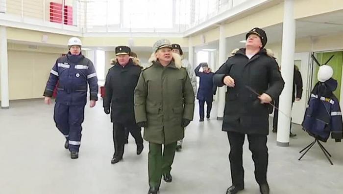 Сергей Шойгу проинспектировал строительство «Арктического трилистника»