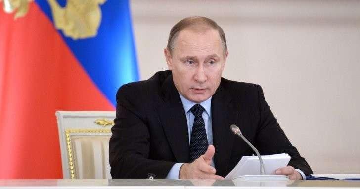 Владимир Путин поручил губернаторам лично заниматься проблемой паводков