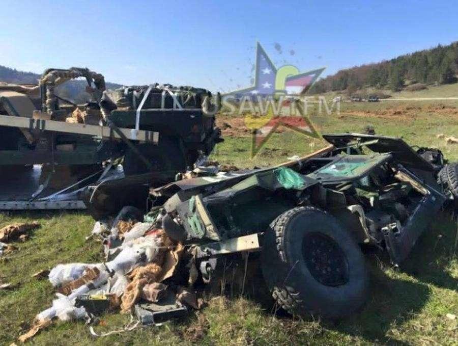 Десантники США разбили три бронетранспортёра HUMVEE при выброске с самолётов