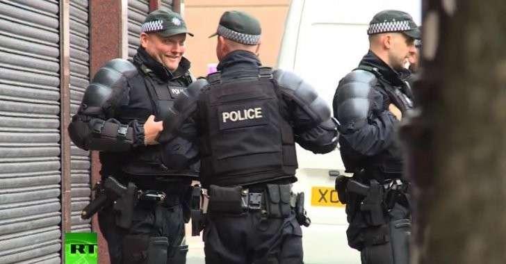 Полиция Великобритании по-прежнему злоупотребляет своими полномочиями