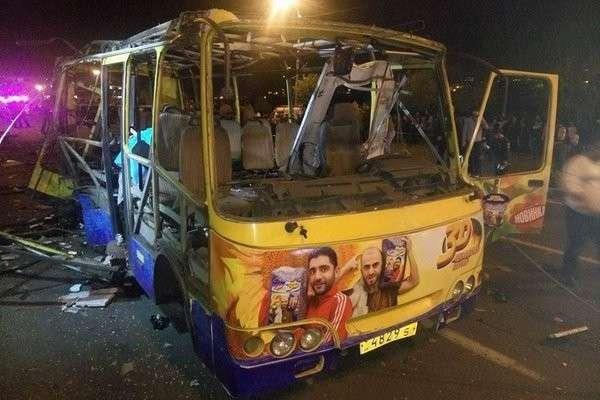 Автобус взорвался в центре Еревана, есть жертвы