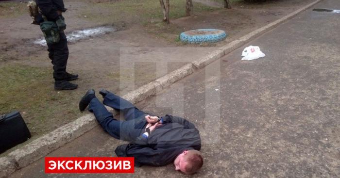 В Великом Новгороде замначальника ФСКН поменял партию наркотиков на iPad