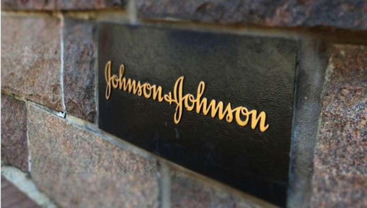 Заболевшая раком американка засудила Johnson & Johnson на 55 млн. долларов