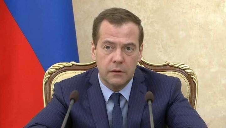 Дмитрий Медведев пообещал исполнить майские указы Путина, несмотря на трудности