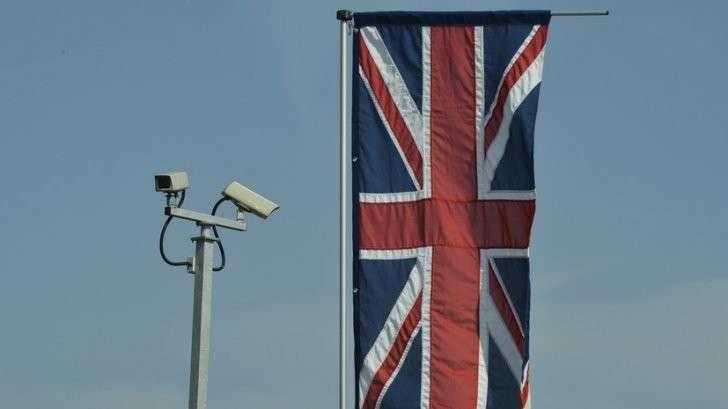 Британцев предупреждают о массовой слежке и пугают фотографиями Путина