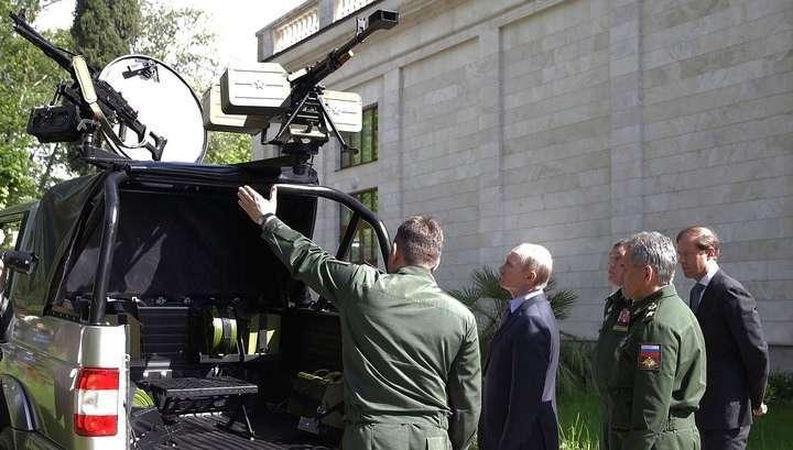 Владимир Путин заглянул в военный «Патриот» через другую дверь