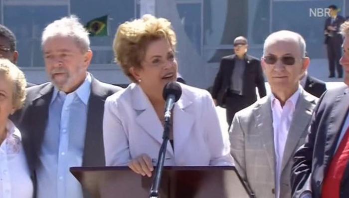 Переворот в Бразилии: отставка Роуссефф не привела к согласию в обществе